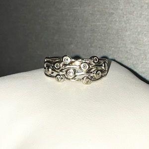 Jewelry - 10k white gold Genuine .15ctw Diamond wine ring